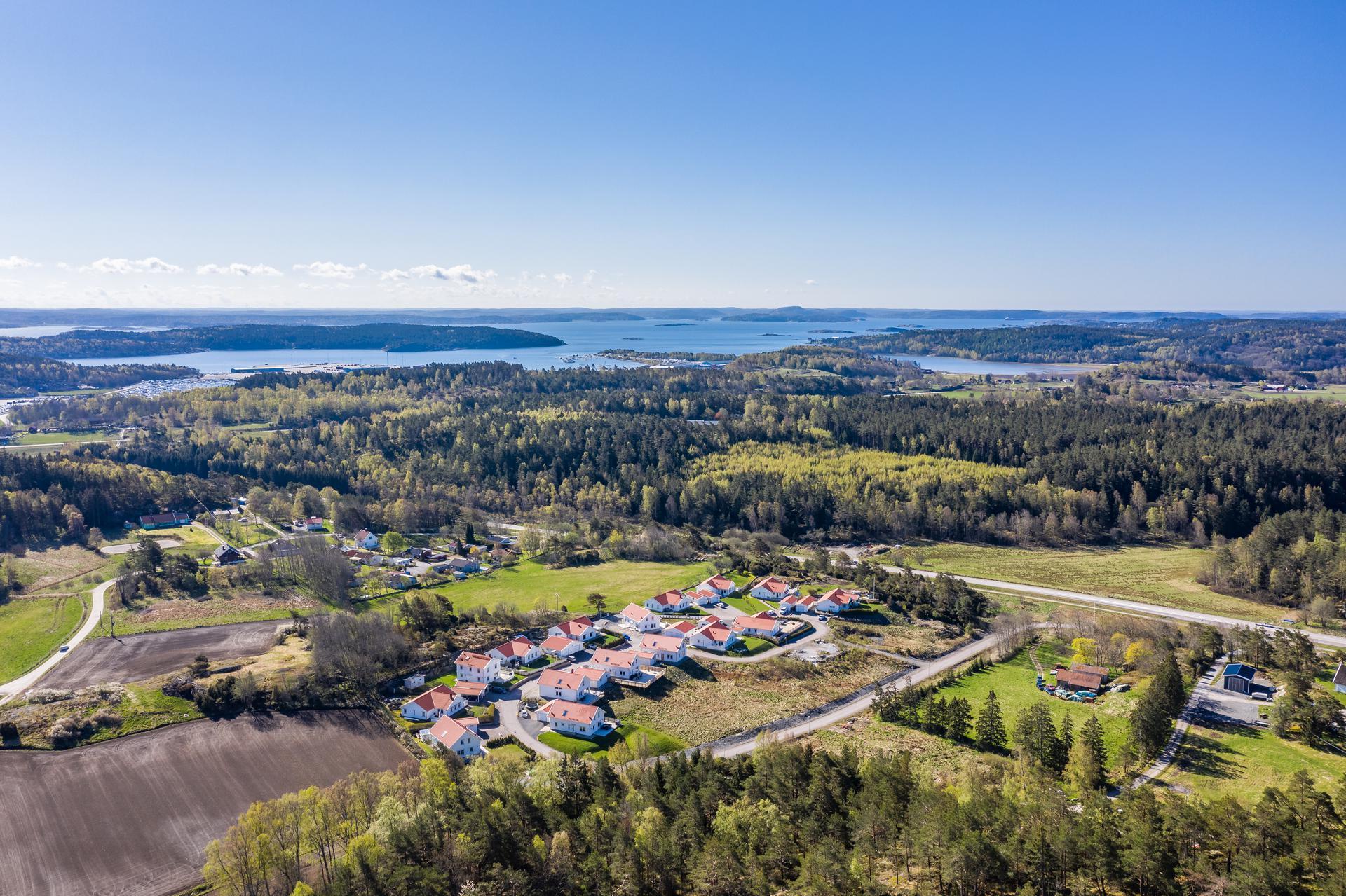 Härlig vy över Olovs Hage, Tjörn och Hakefjorden
