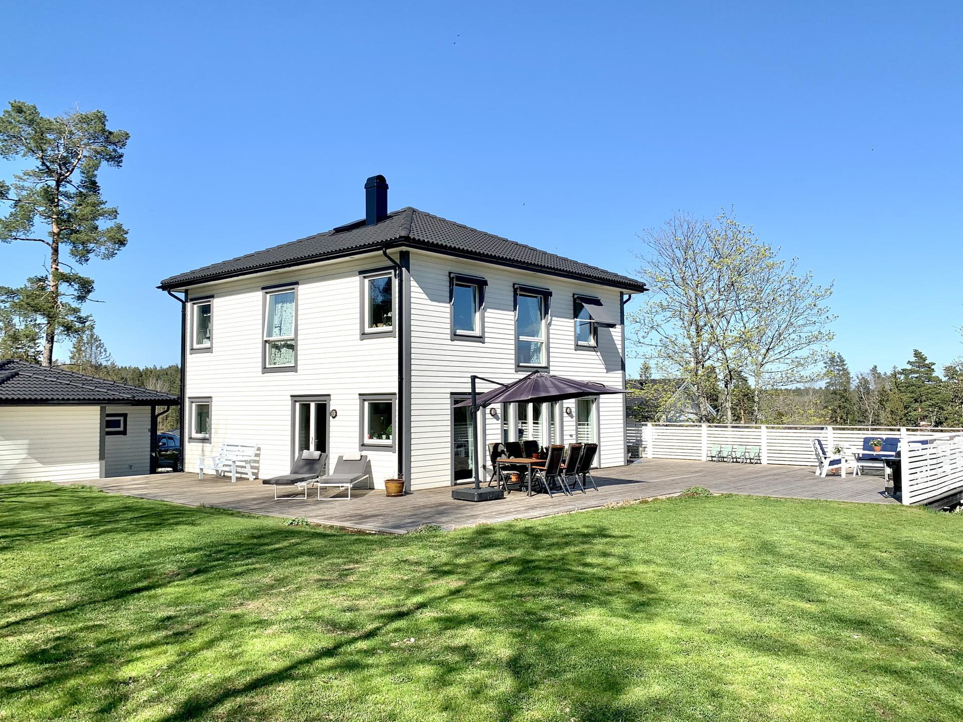 Underbart hus, fantastiskt läge och generös tomt!